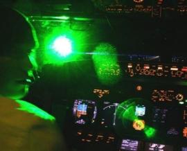 Légiközlekedés lézeres megzavarása