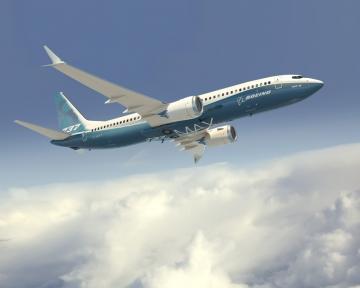 Leállították az új B 737 MAX repülését hajtóműprobléma miatt