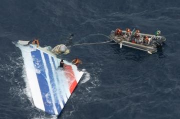 Az Air France járata a pilóták tapasztalatlansága miatt zuhant le