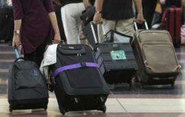 KLM: április után fizetős lesz a feladott poggyász