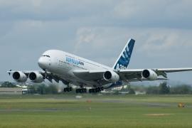 Minden A380-as szuperjumbót át kell vizsgálni a repedések miatt